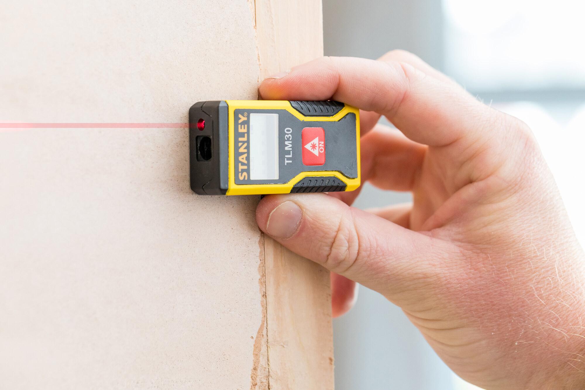 Laser Entfernungsmesser Mit Usb Anschluss : Stanley entfernungsmesser tlm30 bis 9m shop 36% rabatt